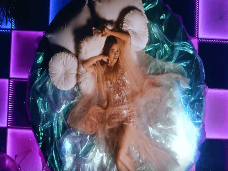 Фото из песни Rare - Selena Gomez №9